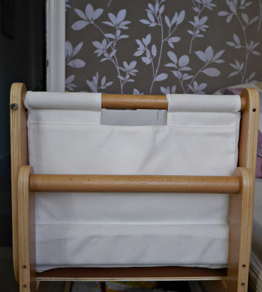 Back view of Snuzpod cot