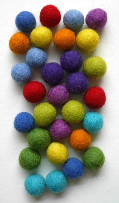 Felt balls - how to make a ball string