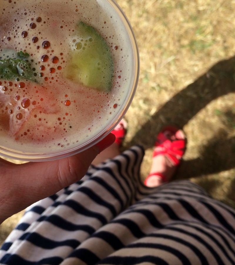 Saltwatter sandals and pimms in the park