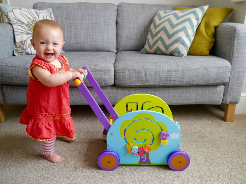Wooden walker wagon for babies