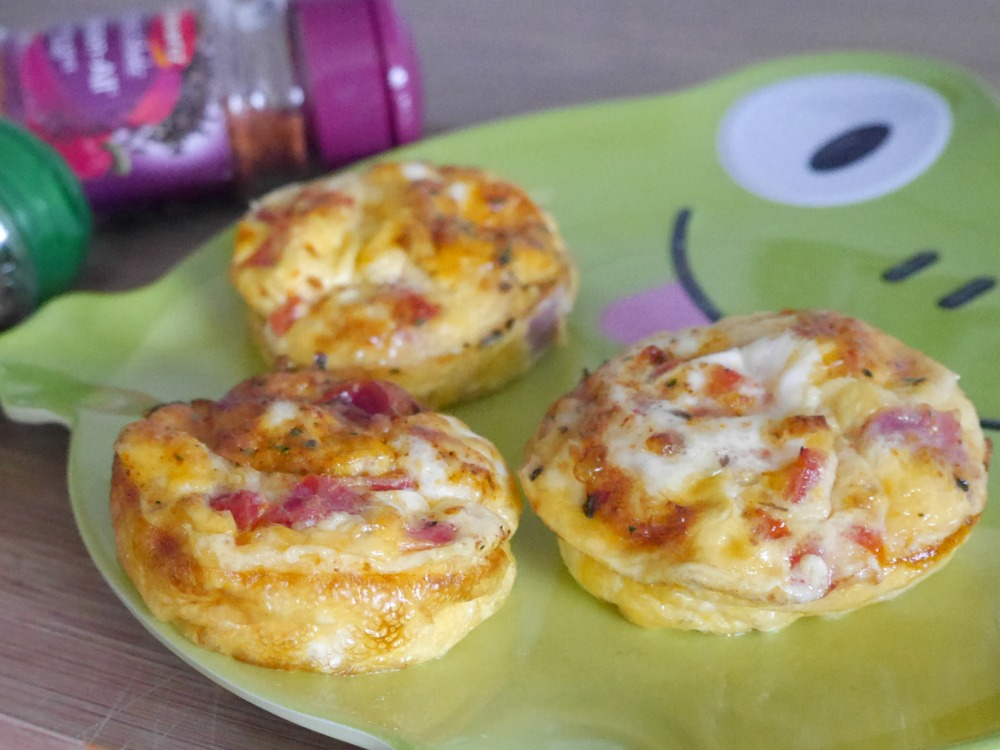 Cooking easy breakfast egg muffins