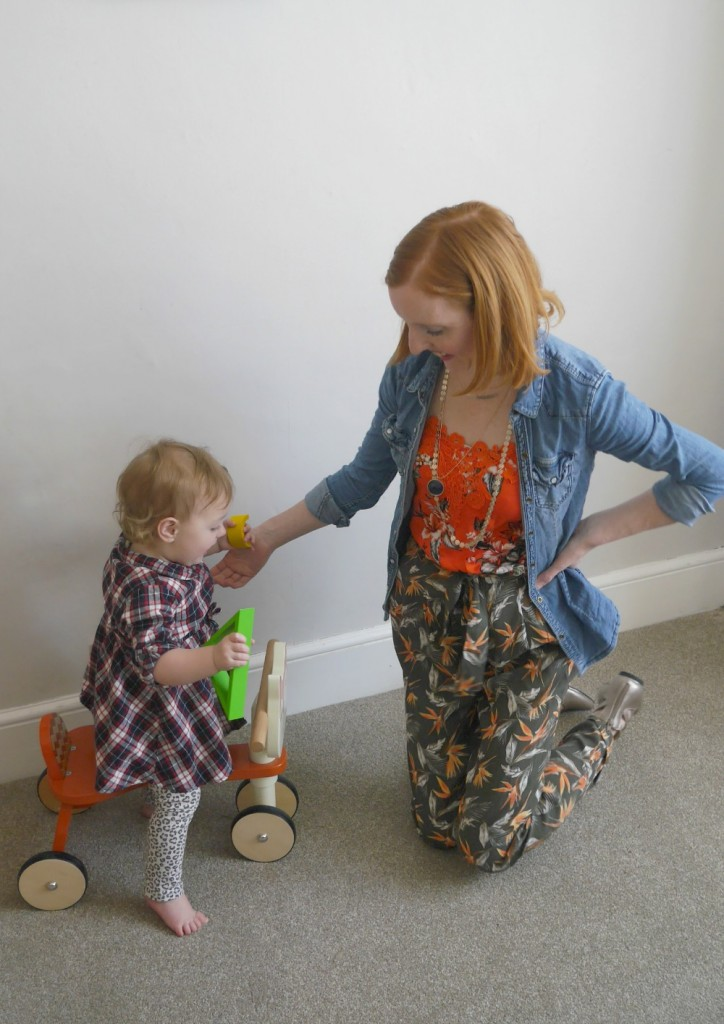 Oasis outfit - flowered top and patterned trousers
