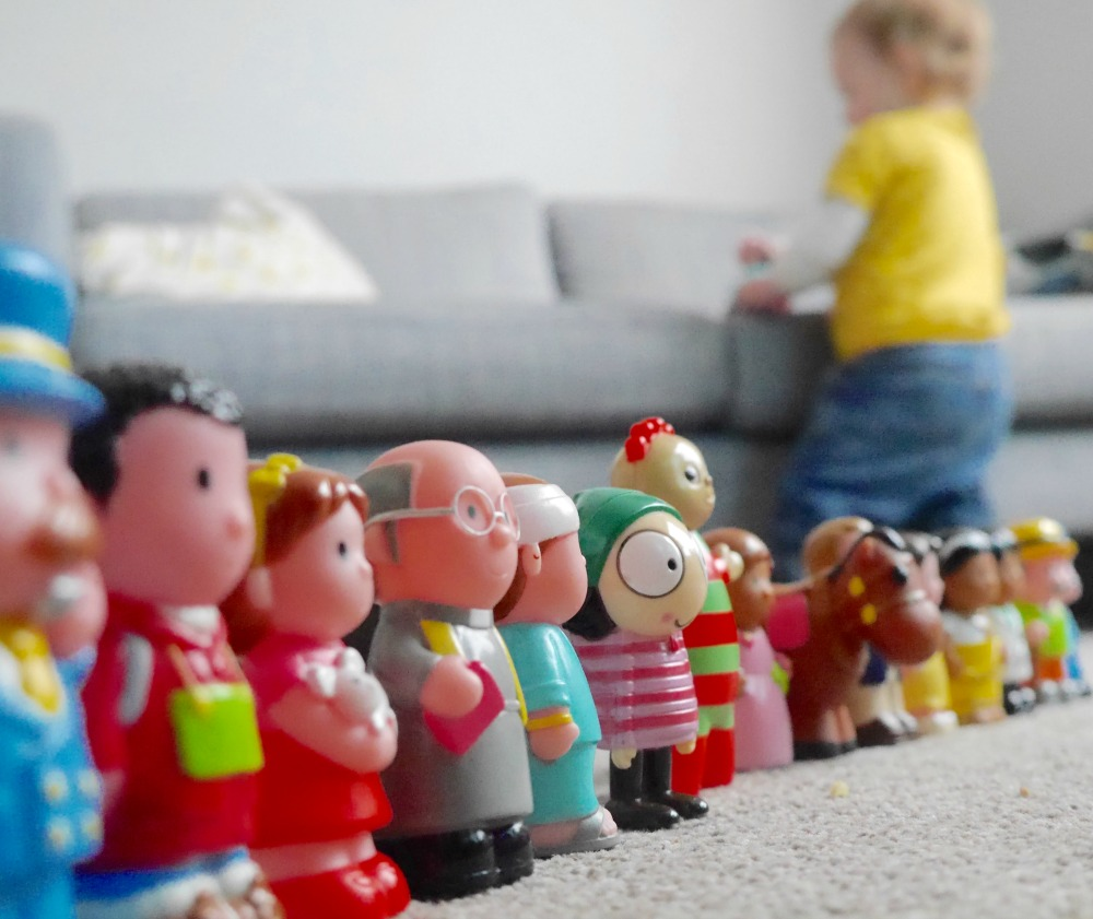 Lined up little people