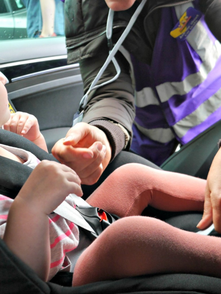 Car seat safety checks with MaxiCosi and Good Egg