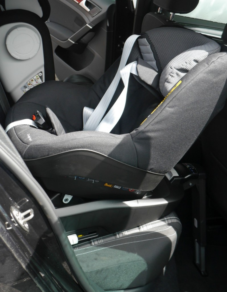 car seat safety first with maxi cosi a baby on board blog. Black Bedroom Furniture Sets. Home Design Ideas