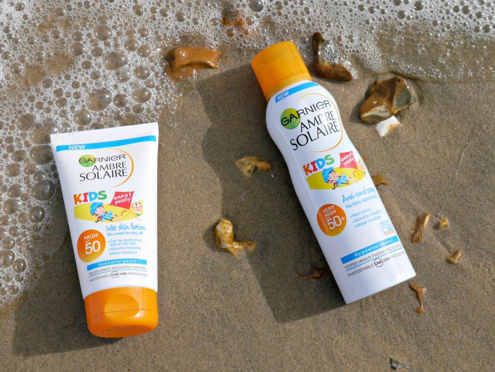 Ambre Solaire suncream for children - anti sand spray