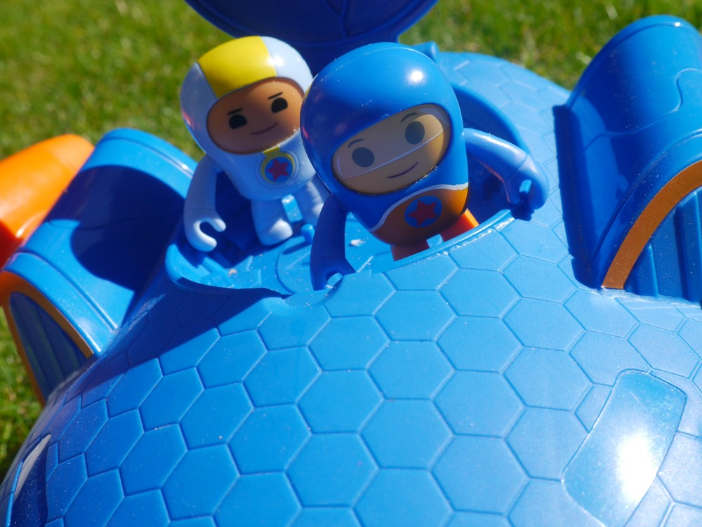 Go Jetters toys review - top view of the launch pad HQ toy and characters from Fisher Price