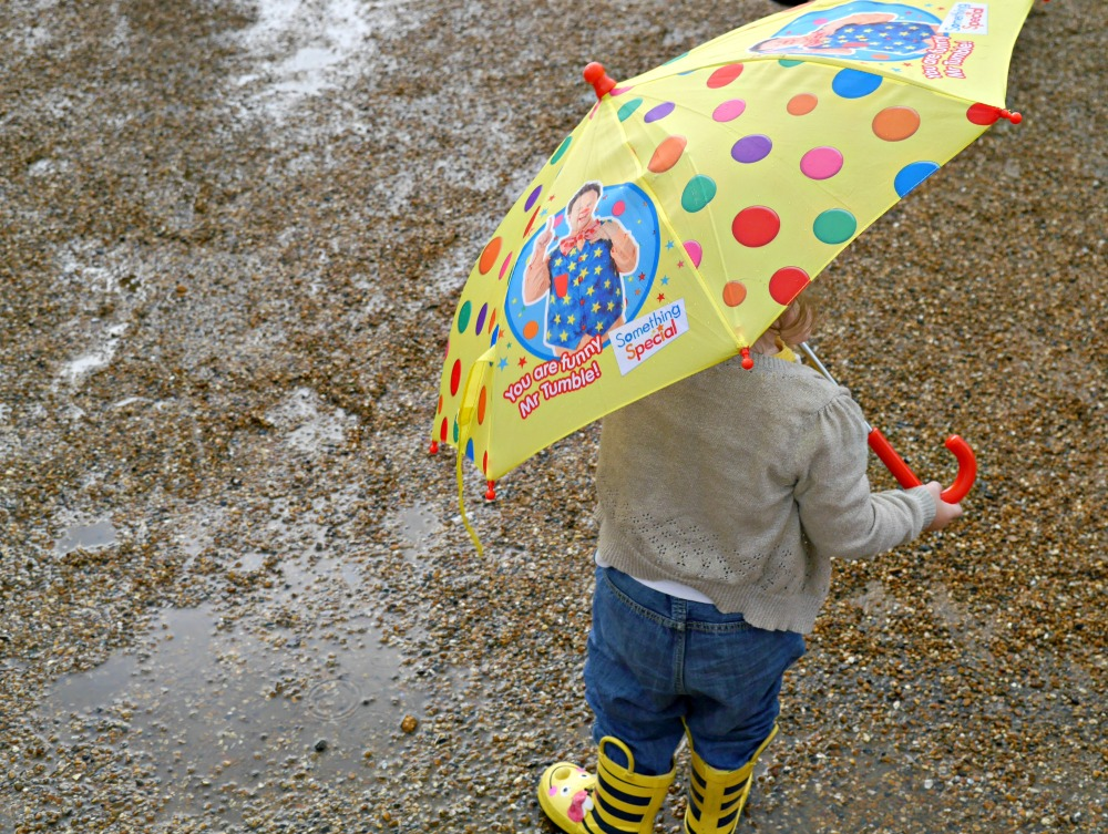 Puddles and Mr Tumble yellow umbrella