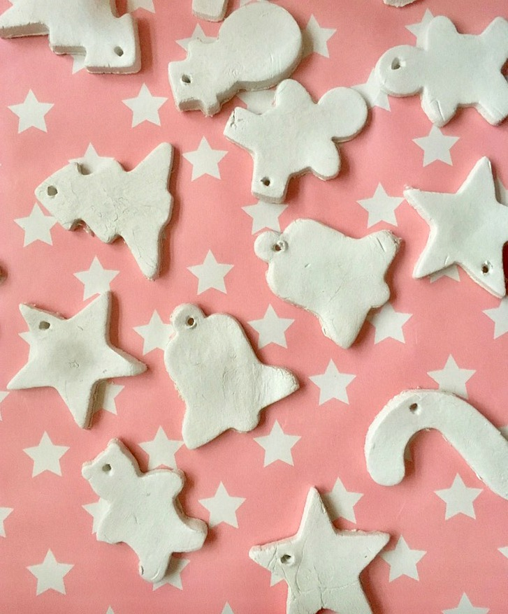 How to make really easy Christmas decorations with children from air-drying clay