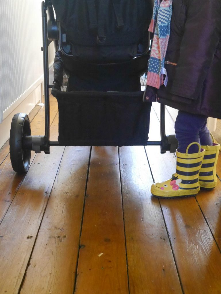 Review of the Graco Modes Three Lite Trio - buggy travel system. Back wheel span