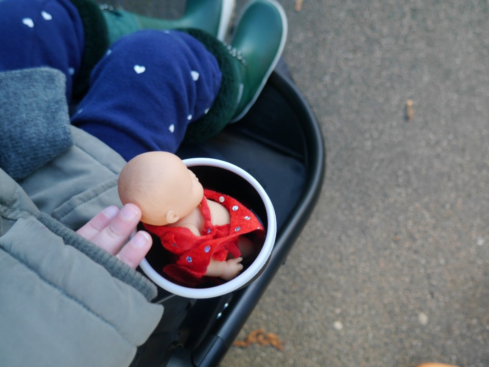 Graco Modes 3 Lite Trio review - cup holder