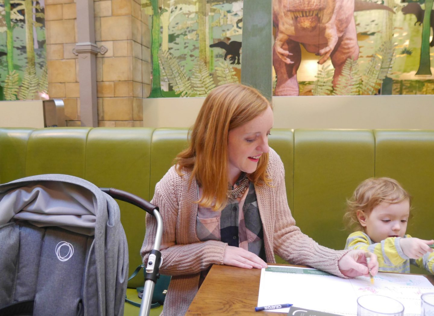 New Bugaboo Bee 5 - out for lunch at the Natural History Museum