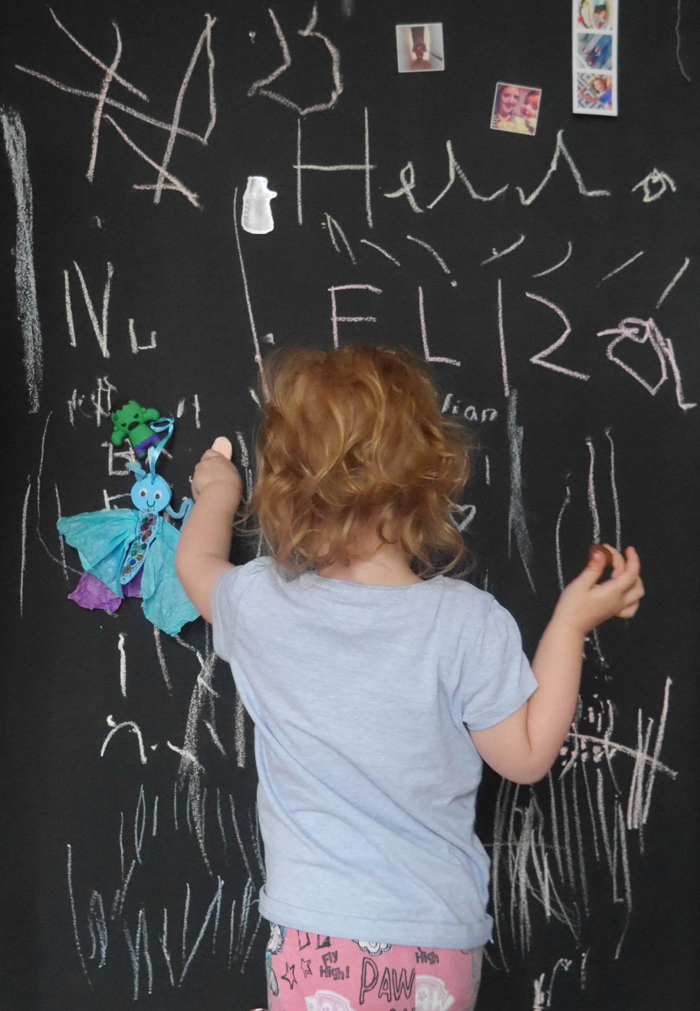 Making a magnetic chalkboard wall for children's bedrooms