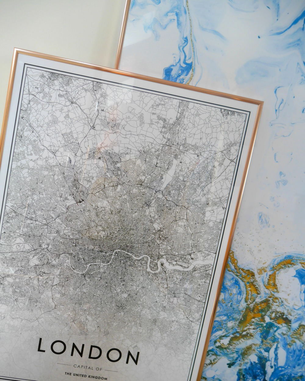London map and prints from Desenio