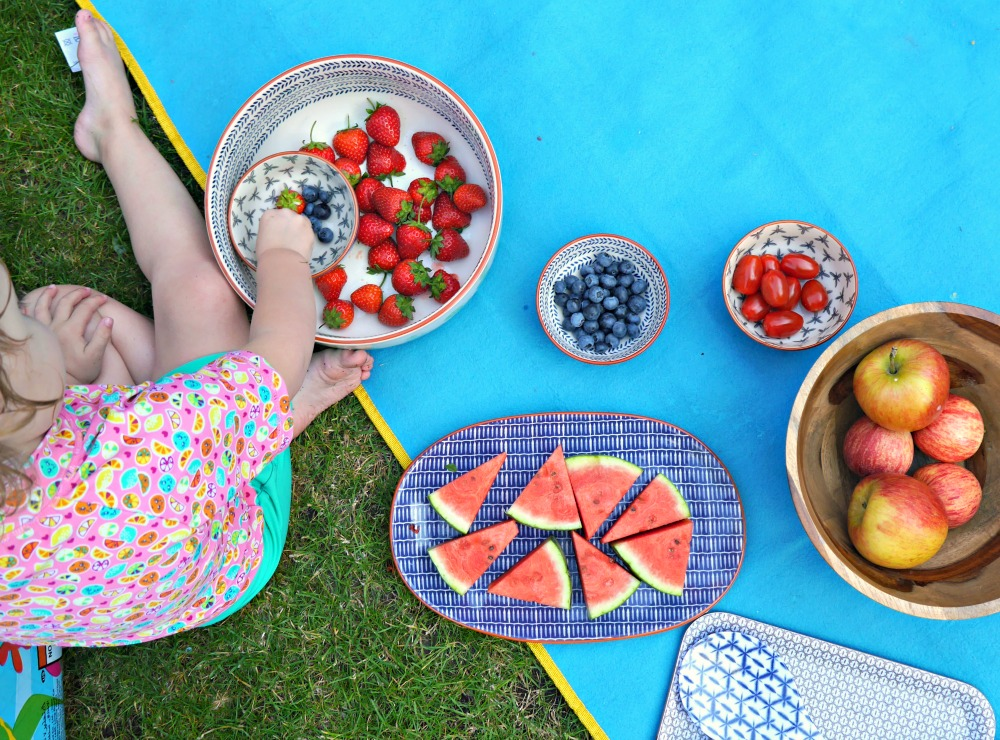 Fruit picnic - top tip for a super summer with Amazon