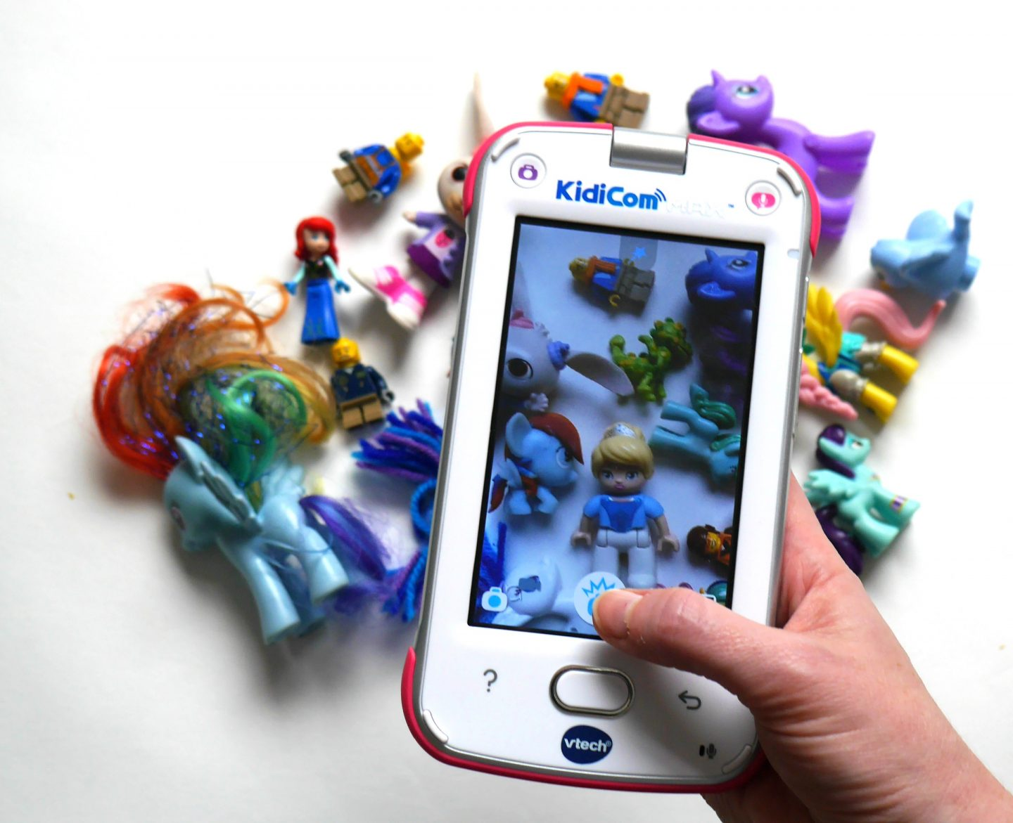 KidiCom Max review from Vtech - children's tablet and messenger system