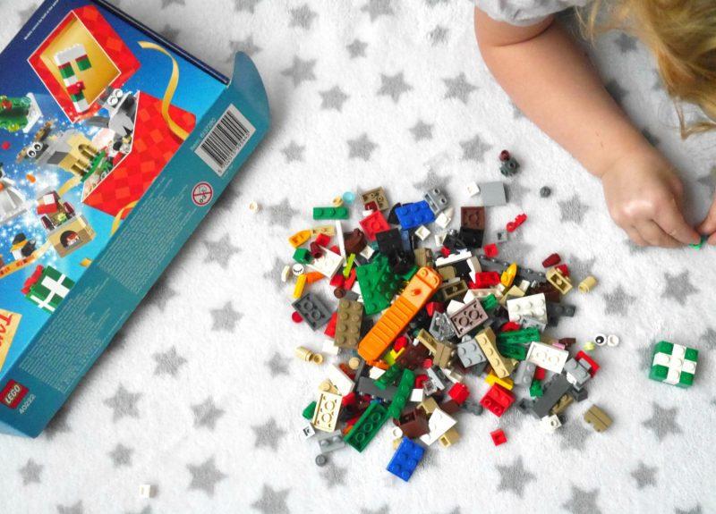 Lego Christmas sets - Lego Build to Give