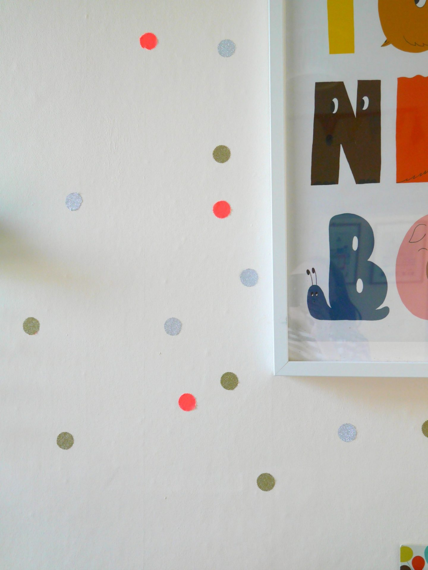 How to make DIY wall stickers from washi tape - perfect for children's bedrooms and easy to make!