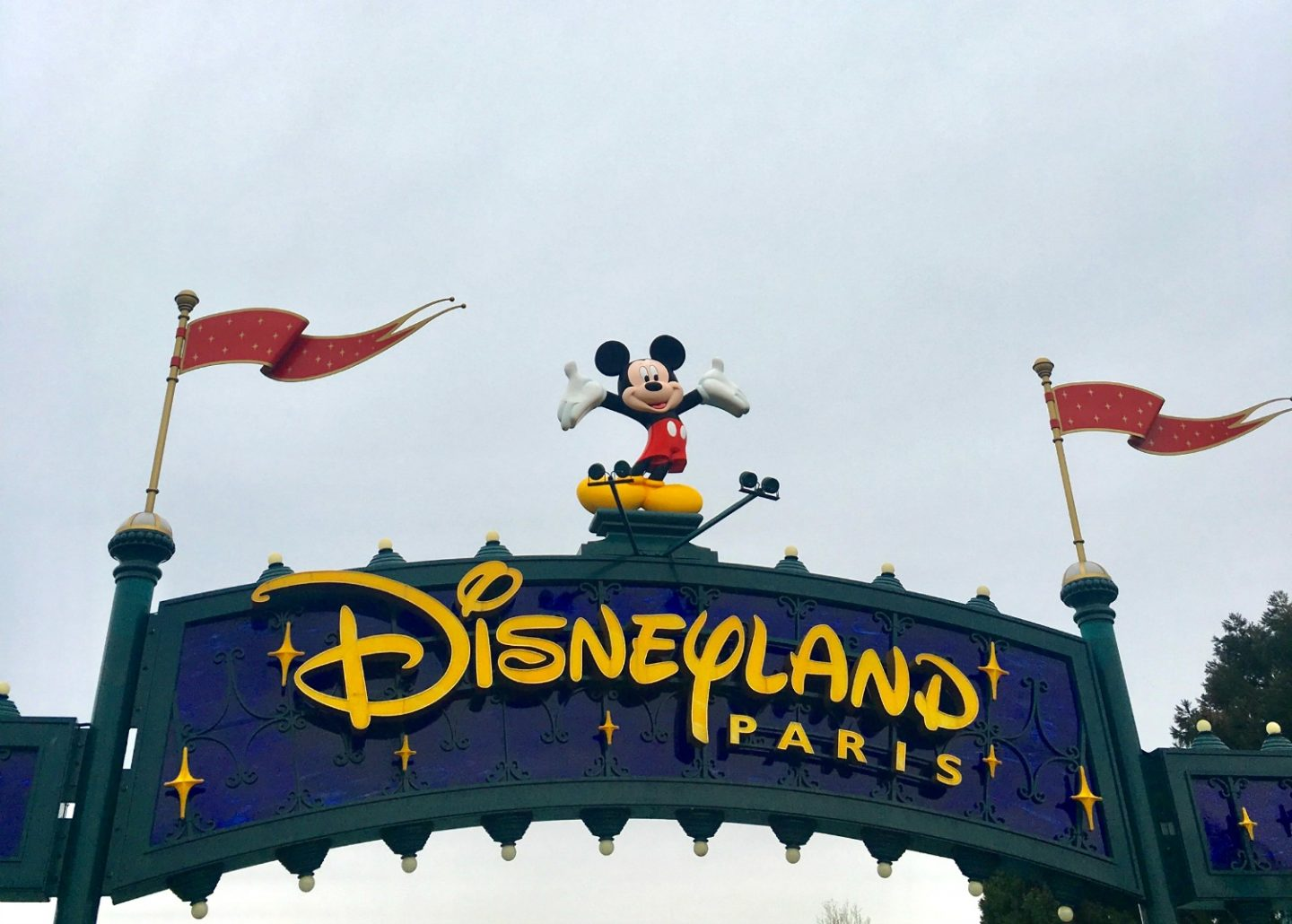 Disneyland Paris entrance sign - tips for your first trip to Disney