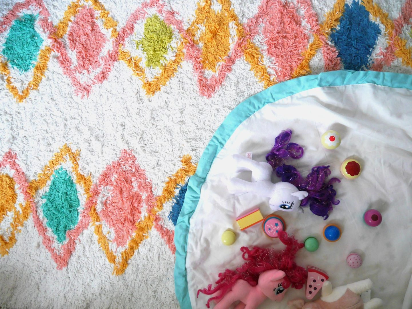 Colourful children's berber rug and Vertbaudet play mat