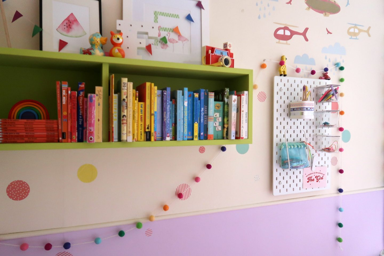 IKEA school run hacks - rainbow books and colourful book shelves