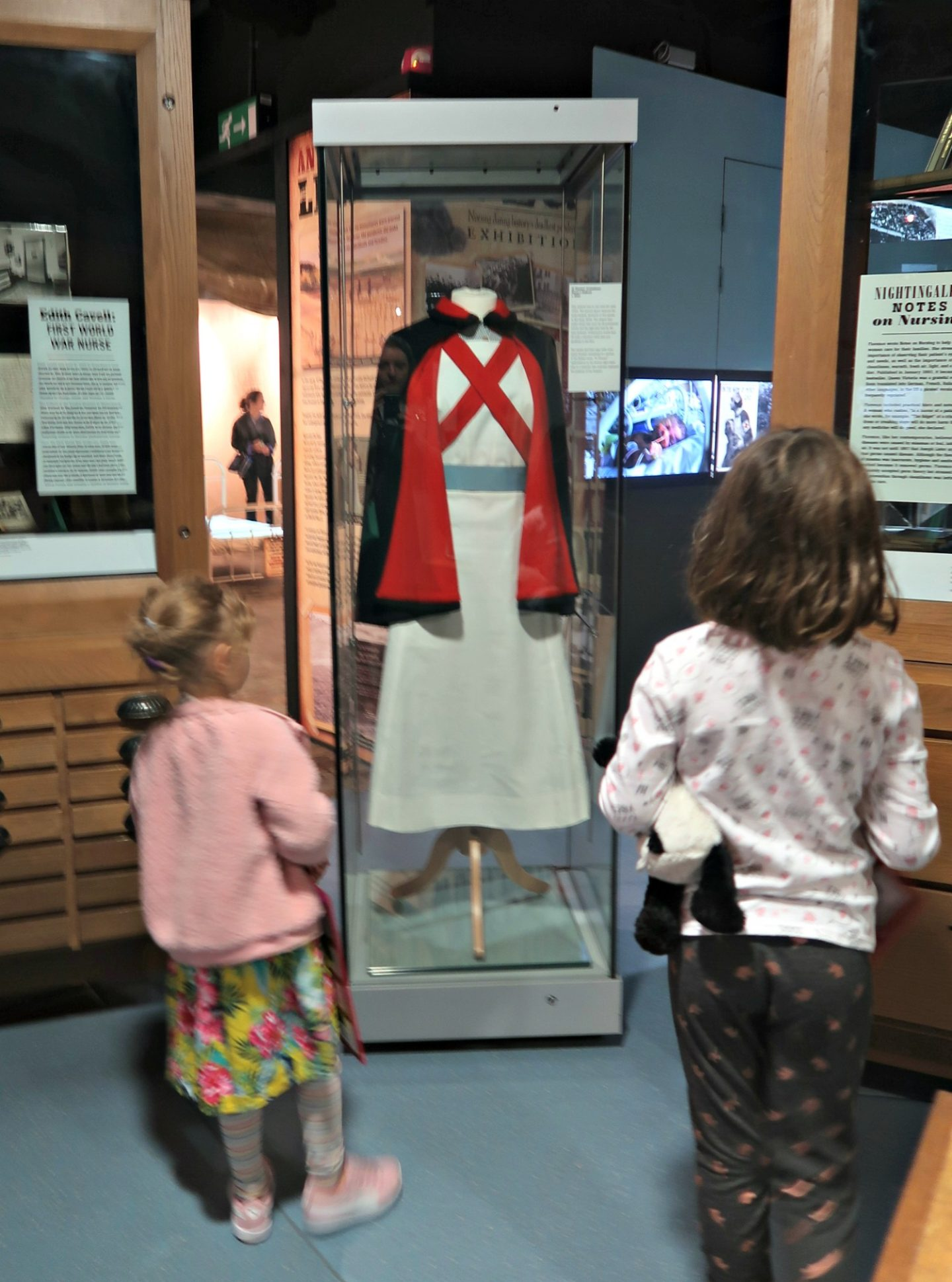 Flornence Nightingale museum nurses uniform