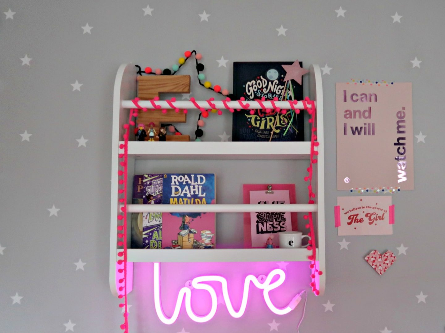 Great Little Trading Company Greenaway bookcase review and star print wallpaper for kids