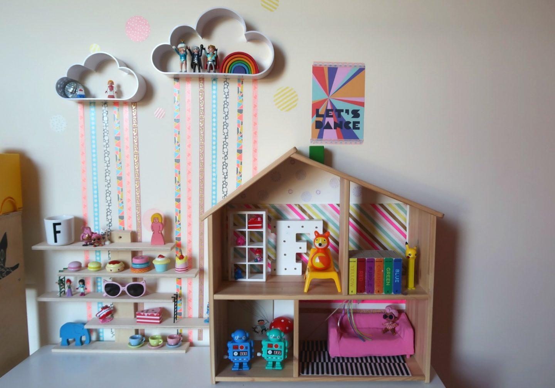 IKEA Flisat bookshelf - kids room storage hacks