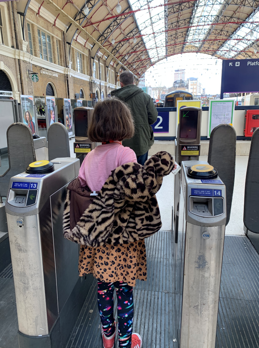 How to get a zip card - 5-11 oyster for kids, free London travel for children