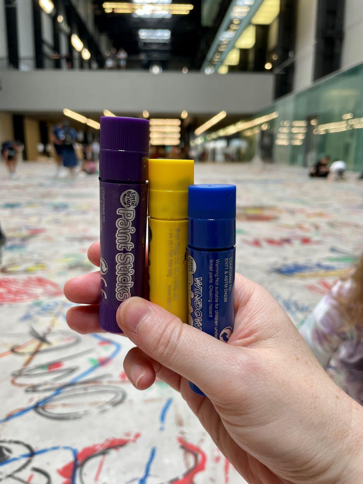 Mega Please Draw Freely crayons